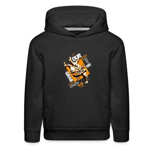 Judo Grab Design for dark shirts - Kids' Premium Hoodie