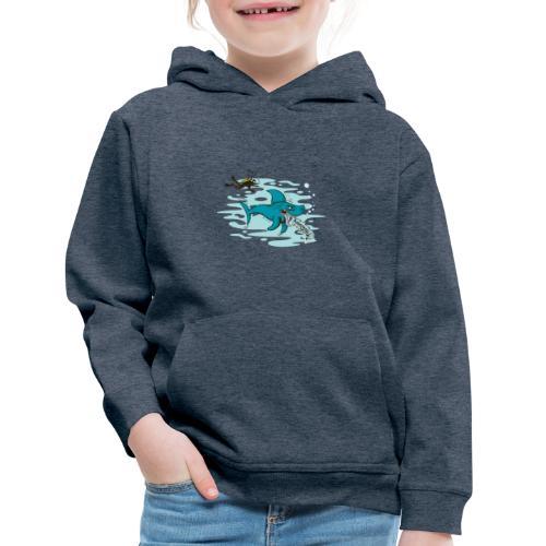 Wild shark feeling disgusted when seeing a diver - Kids' Premium Hoodie