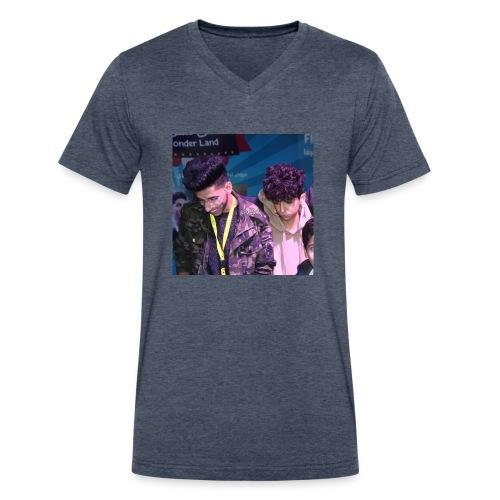 16789000 610571152463113 5923177659767980032 n - Men's V-Neck T-Shirt by Canvas