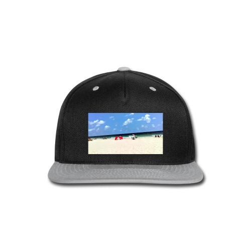 BEACH OF RED UMBRELLAS - Snap-back Baseball Cap