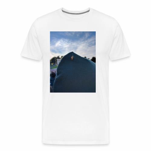 Focused Bee - Men's Premium T-Shirt