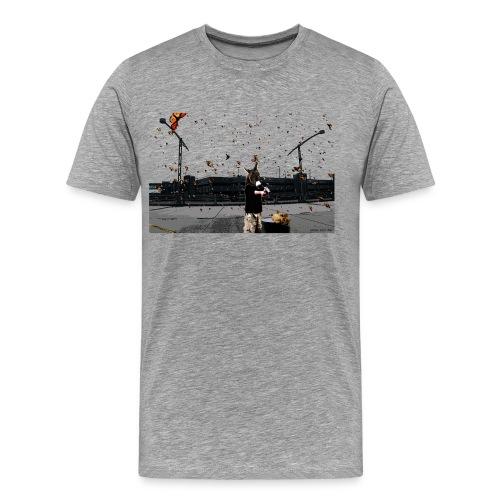 Kittens and a barrel - Men's Premium T-Shirt