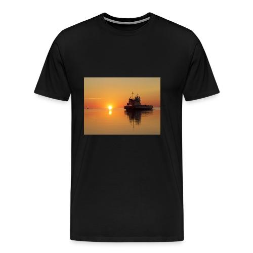 030 - Men's Premium T-Shirt