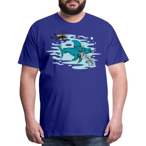 Wild shark feeling disgusted when seeing a diver - Men's Premium T-Shirt