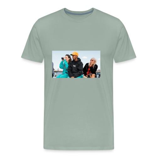 Chillin - Men's Premium T-Shirt
