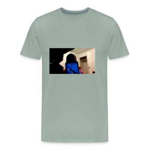 i'm always on my phone - Men's Premium T-Shirt