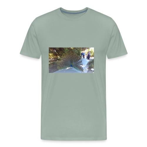 Peacock with wings - Men's Premium T-Shirt