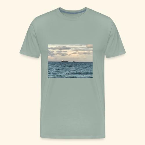 B3F6283A 4C86 48AF 8AE2 FFB270F685BB - Men's Premium T-Shirt