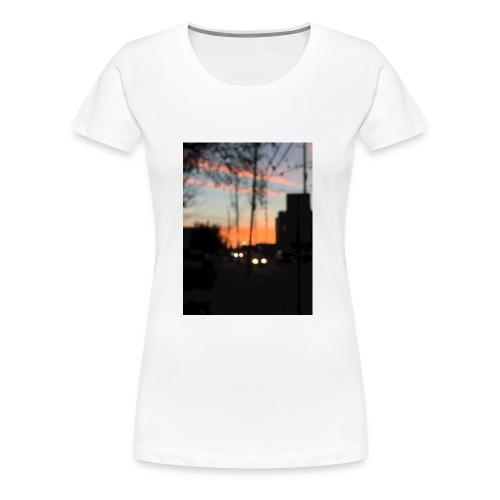 A blurry sunset - Women's Premium T-Shirt