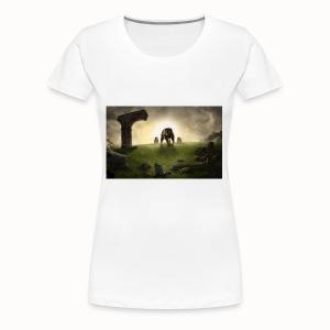 king bear with cubs merchandise - Women's Premium T-Shirt