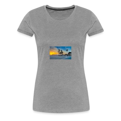 1527907650331 - Women's Premium T-Shirt