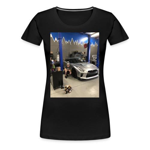 Nissan GT-R - Women's Premium T-Shirt
