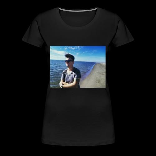 Point Blur Feb212018 111739 - Women's Premium T-Shirt