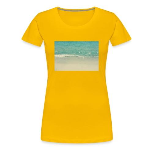 Love the beach. - Women's Premium T-Shirt