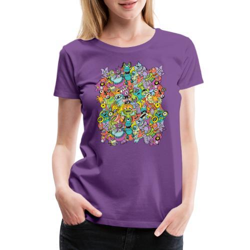 Aliens of the universe posing in a pattern design - Women's Premium T-Shirt