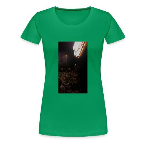 3B8CF9F2 CC29 4EA2 A0B2 AAE4D3921273 - Women's Premium T-Shirt