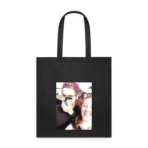 Luke Hemmings with a phone in his face - Tote Bag