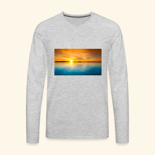 Sunrise over water - Men's Premium Long Sleeve T-Shirt