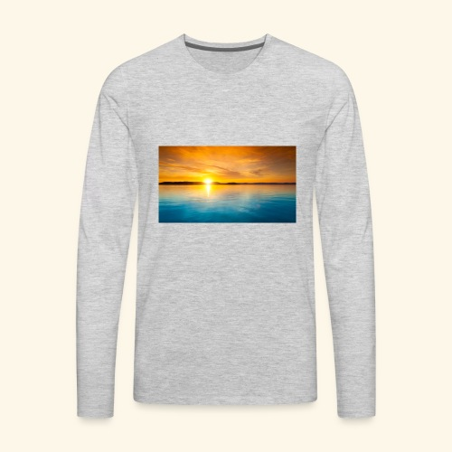 Sunrise over water - Men's Premium Long Sleeve T-Shirt