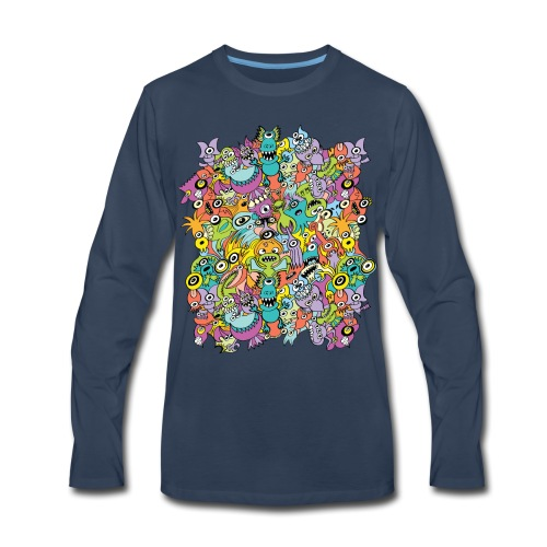 Aliens of the universe posing in a pattern design - Men's Premium Long Sleeve T-Shirt