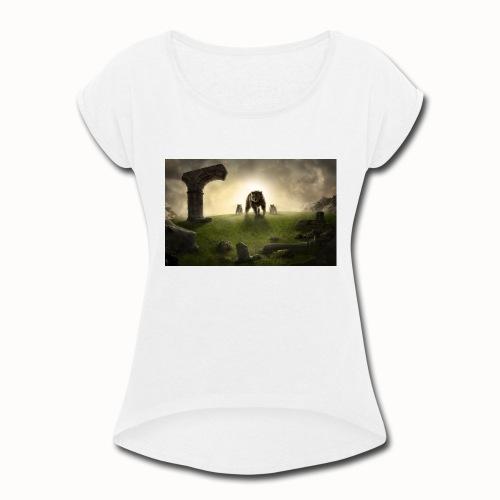 king bear with cubs merchandise - Women's Roll Cuff T-Shirt