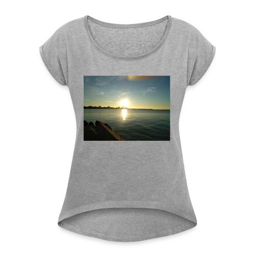 Sunset merch - Women's Roll Cuff T-Shirt