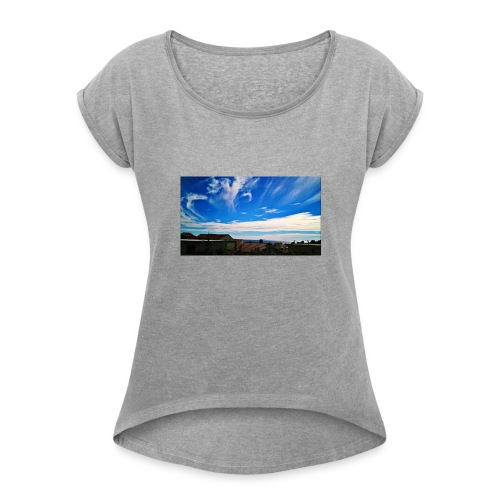 Autumn can be beautiful - Women's Roll Cuff T-Shirt