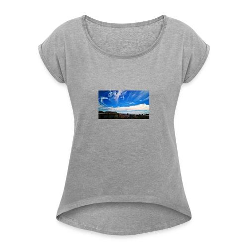 Autumn can be beautiful - Women's Roll Cuff T-Shirt