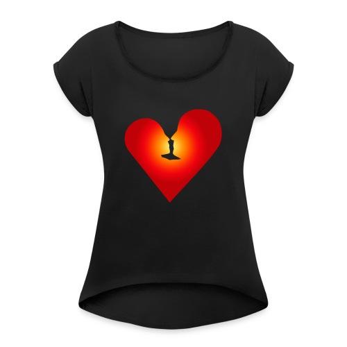 Loving heart - Women's Roll Cuff T-Shirt