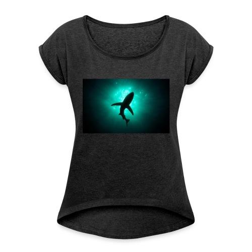 Shark in the abbis - Women's Roll Cuff T-Shirt