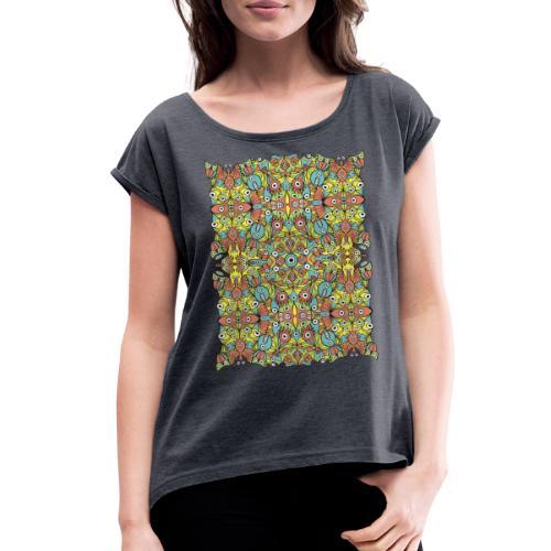 Odd creatures multiplying in a symmetrical pattern - Women's Roll Cuff T-Shirt