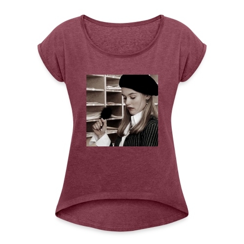 Cher Horowitz Icon - Women's Roll Cuff T-Shirt