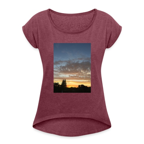 nuclear sunset - Women's Roll Cuff T-Shirt