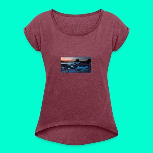 the best design - Women's Roll Cuff T-Shirt