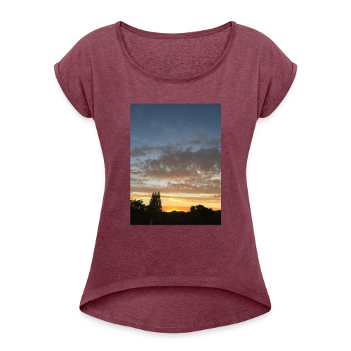 nuclear sunset - Women's Roll Cuff T-Shirt