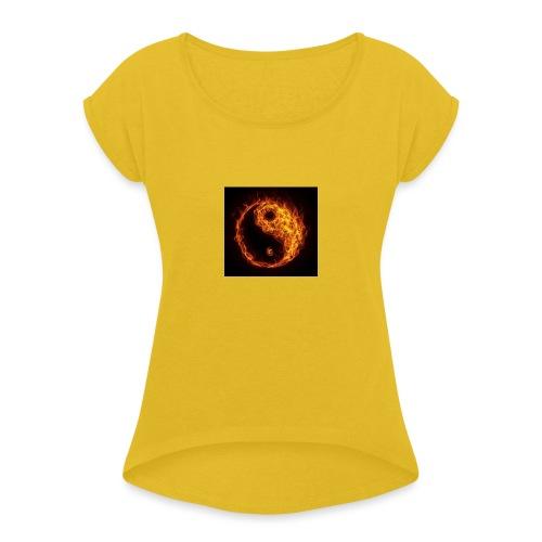 Panda fire circle - Women's Roll Cuff T-Shirt